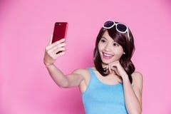 Selfie della donna felicemente Fotografie Stock
