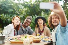 Selfie des amis heureux Photographie stock libre de droits