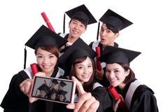 Selfie des glücklichen Schulabgängers Stockbilder