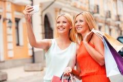Selfie dopo la buona compera immagini stock