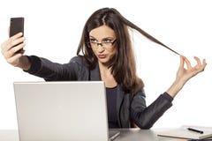 Selfie in het bureau Stock Foto