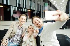 Selfie im Aufenthaltsraum stockbild