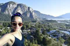 Selfie kobiety podróż Squamish obrazy royalty free