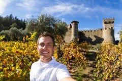 Selfie med en slott Royaltyfria Foton