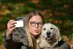 Selfie med hunden Royaltyfri Fotografi