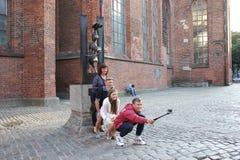 Selfie mit den Bremen-Stadtmusikern Stockfotografie