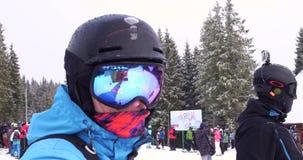 Selfie Narciarski dźwignięcie przy Halnym kurortem zdjęcie wideo