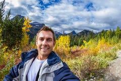 Selfie nas montanhas Imagens de Stock Royalty Free