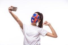 Selfie no telefone do fan de futebol islandês no apoio do jogo de equipas nacionais de Islândia Foto de Stock