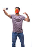 Selfie no telefone do fan de futebol português no apoio do jogo de equipas nacionais de Portugal Imagem de Stock