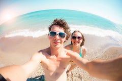 Selfie op het strand stock foto's