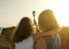 Selfie på solnedgången arkivbild