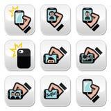Selfie, prendente le foto con gli smartphones per i bottoni sociali di media messi Immagine Stock