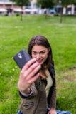 Selfie urbano de la muchacha 2 Fotos de archivo