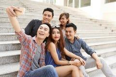 Selfie z przyjaciółmi obraz stock