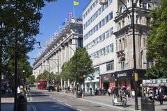 Selfridges stormarknad på den Oxford gatan som shoppar post med berömda modeboutique och stor diversehandel Royaltyfri Fotografi