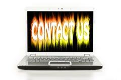 Seli metta in contatto con video su uno schermo del computer portatile Fotografie Stock