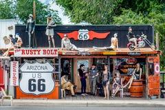 SELIGMAN ARIZONA/USA - JULI 31: Rusty Bolt i Seligman Ari arkivbilder