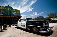 SELIGMAN - Weinlese-Polizeiwagen entlang Route 66 Lizenzfreies Stockbild