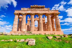 Selinunte tempel av Hera - Sicilien, Italien royaltyfria bilder