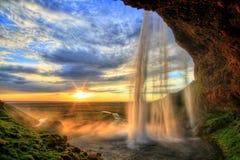 在日落的Seljalandfoss瀑布在HDR,冰岛 库存图片