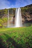 Seljalandsfoss, beroemde waterval in IJsland Stock Afbeelding