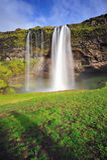 Seljalandsfoss, cachoeira famosa em Islândia Imagem de Stock