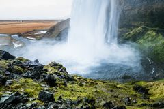 Seljalandsfoss i vintersäsongen av Island arkivfoton