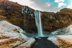 Seljalandsfoss, isländischer Wasserfall stockbild
