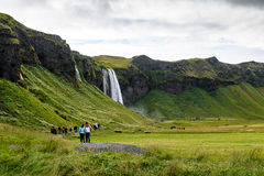 Seljalandsfoss-Wasserfall-Bereich Stockfotos