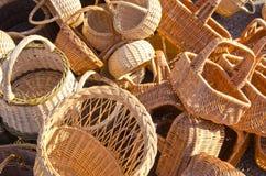 sell för stapel för marknad för påsekorg staplad ganska handgjord royaltyfri bild