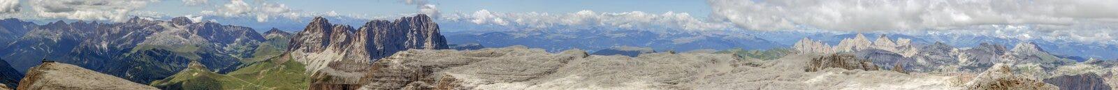 Sella从Piz Boe的山全景 免版税图库摄影