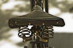 Sella d'annata della bici Fotografie Stock Libere da Diritti