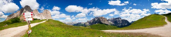 Sella in Val Gardena mit der Sella-Gruppe Lizenzfreies Stockbild