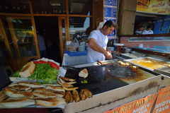 Seller of fish sandwiches at Istanbul Stock Photography