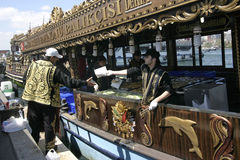 Sellers of fish sandwiches in Istanbul Stock Photography