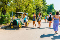 Selling boiled corn cobs in Moscow Gorky park Stock Image