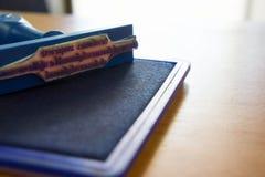Sello de los cartuchos del sello y de tinta del mobiliario de oficinas Imagenes de archivo