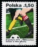 Sello de Polonia dedicado a la victoria del equipo de la Argentina en taza del fútbol del mundo, circa 1978 Foto de archivo libre de regalías