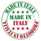 Sello verde y rojo Hecho en la etiqueta de Italia Imagen de archivo libre de regalías
