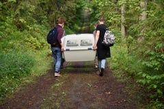 Sellos anillados lanzados zoologistas de Ladoga después de la rehabilitación Fotos de archivo libres de regalías