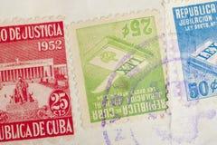 Sellos antiguos del cubano con los matasellos Filatelia histórica del vintage imágenes de archivo libres de regalías