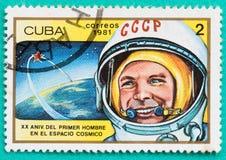 Sellos usados con impreso en los temas del espacio de Cuba Imagenes de archivo