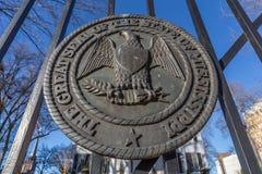 Selo do estado de Mississippi nas portas da mansão do regulador em Jackson, Mississippi Fotografia de Stock Royalty Free