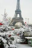 Seltener schneebedeckter Tag in Paris Stockfotografie