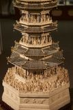 Seltenes Hand-geschnitztes chinesisches Kunstwerk des Elfenbeins am Belz-Museum Stockfotos