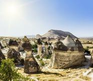 Seltsame Felsformationen des vulkanischen Tuffs in Cappadocia Stockfotografie
