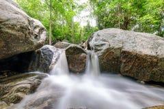 Selva tropical tropical de la cascada de Huai yang en parque nacional imagen de archivo libre de regalías