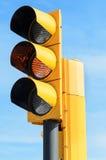 Semáforo amarillo imagen de archivo