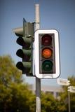 Semáforo ambarino Imagenes de archivo
